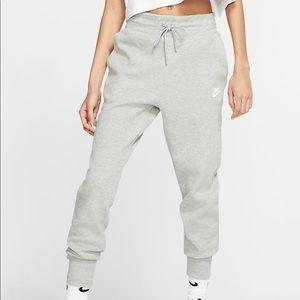 Nike tech fleece sweat pants